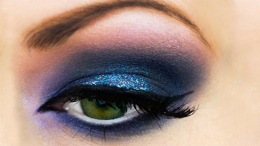 Choose Your Eye Makeup Based On Your Zodiac Signs