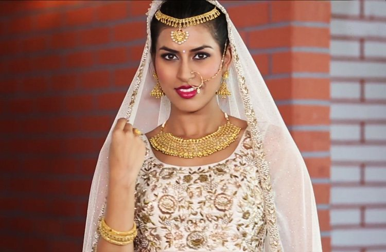 Truly Bridal By Kalyan Jewellers Ivory Bride