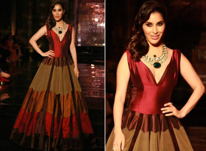 Sophie Choudry at ICW 2016