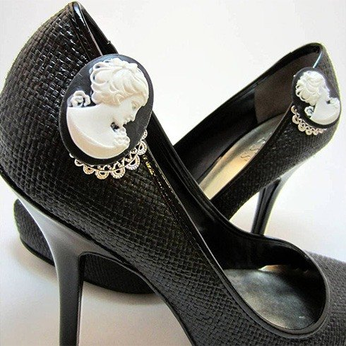 Cameo shoe clips
