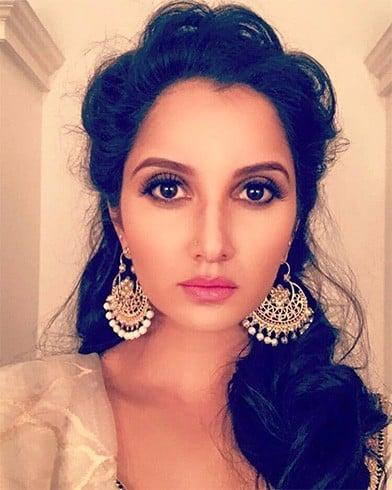 Sania in Moni Agarwal chaand balis