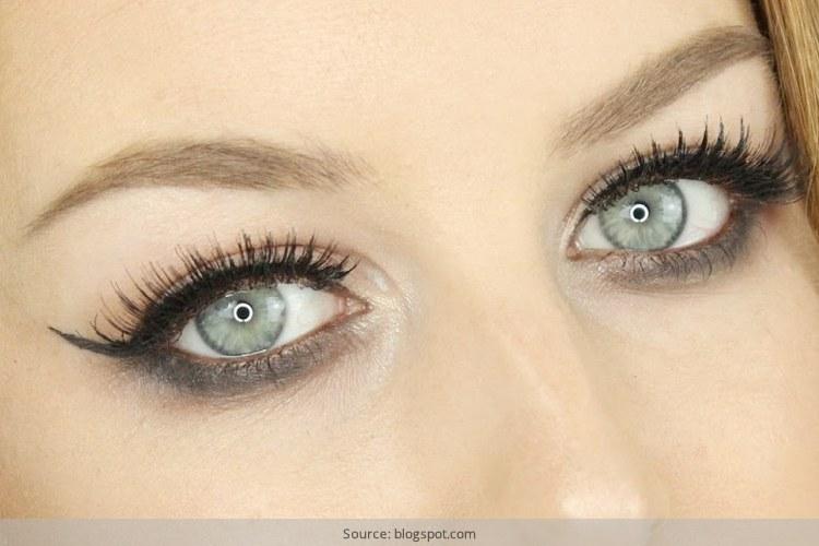 Reverse Smokey Eye