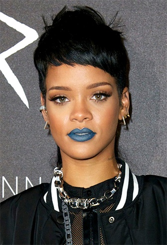 How To Wear Blue Lipstick And Nail The Season S Look