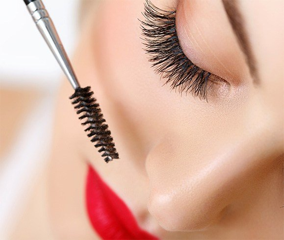 How To Improve Your Eyelashes
