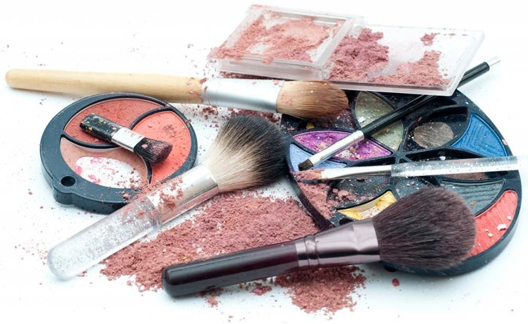 Makeup Mistakes By Working Women
