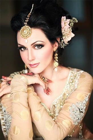 Pakistani Womens Eye Makeup