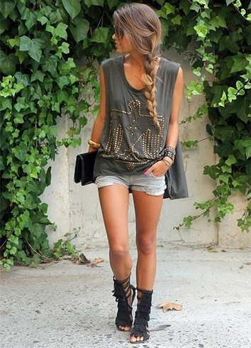 Best tips to make your tank top look sexier