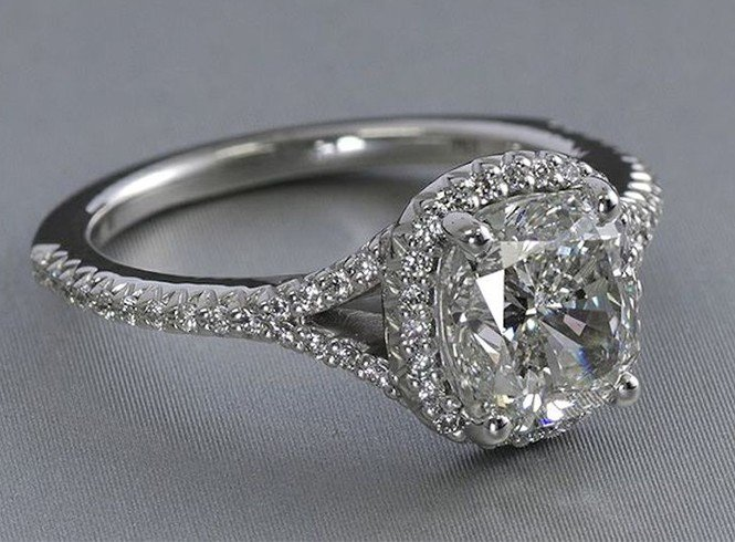 Cushion Shaped Diamond Ring cut