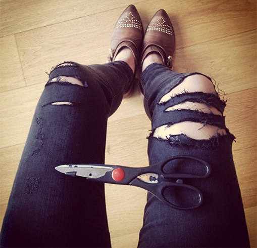 Tattered Skinnies Alert! Easy Way How To Make Ripped Jeans
