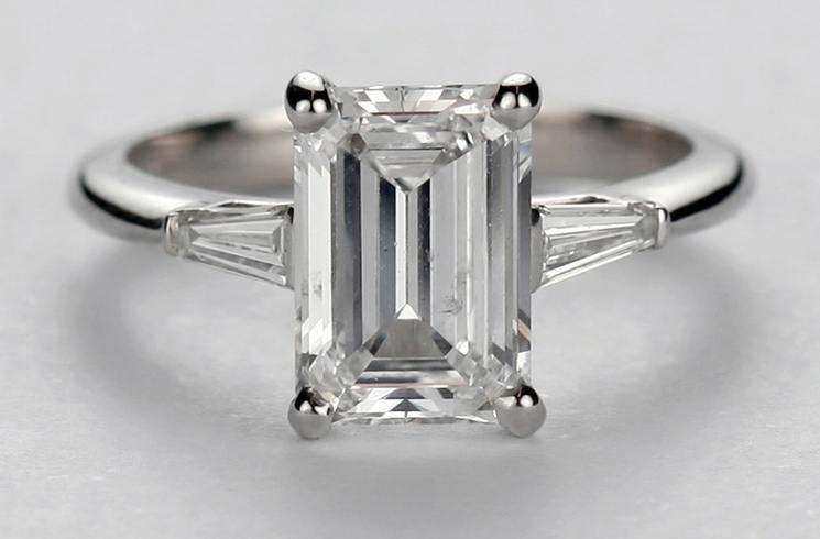 Emerald Shaped Diamond Ring cut