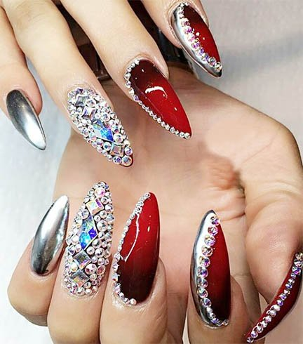 Nail Art - Ideas On How To Do Chrome Nail Art Explained In Detail