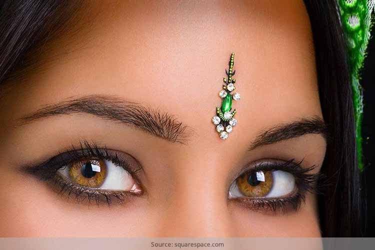 Bindi Designs According To Face Shapes