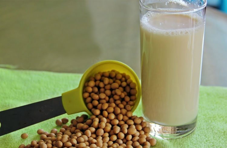 Soya Milk For Clear Skin