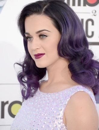 Katy Perry regal look