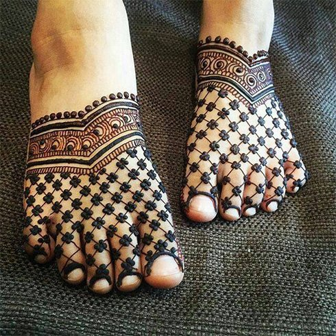 15+ Mehandi Designs For Legs: The Perfect List For a Bride ...