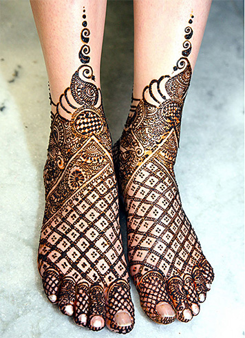 Beautiful Foot Mehndi Design