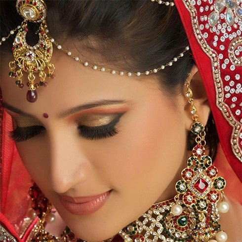 Female Makeup Artist In Chennai