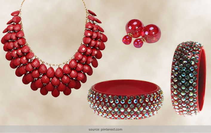 Plastic Jewellery For Women