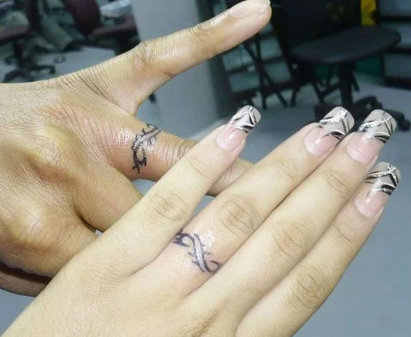 White Wedding Ring Tattoos: Tattoo Wedding Rings: The New Way Of Exchanging Of Vows