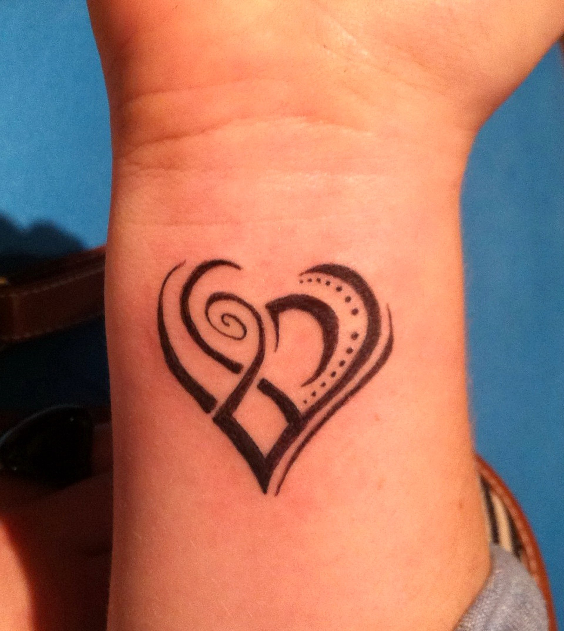 27 Wrist Tattoos Designs For Girls
