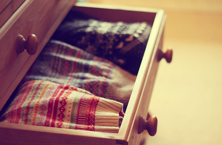 How to organize your closet give that wardrobe a Best way to organize clothes