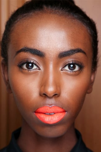 Orange lipstick makeup looks