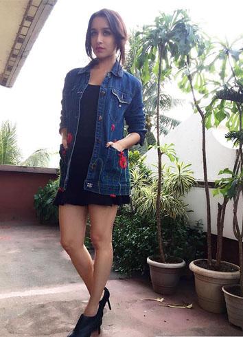 Shraddha Kapoor worked a Pero denim jacket