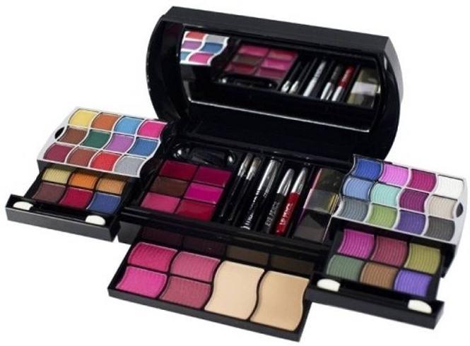 Buy Makeup Kits Online