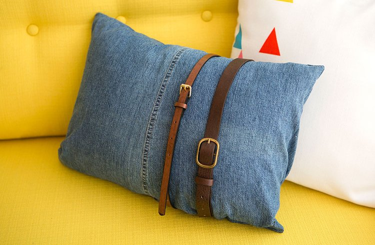 How to reuse old clothes for pillows