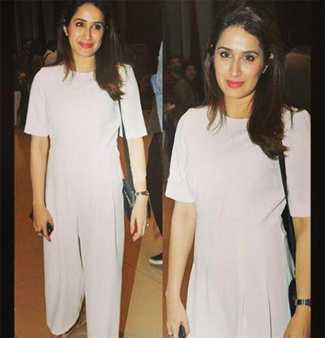 Sagarika Ghatge Outfit