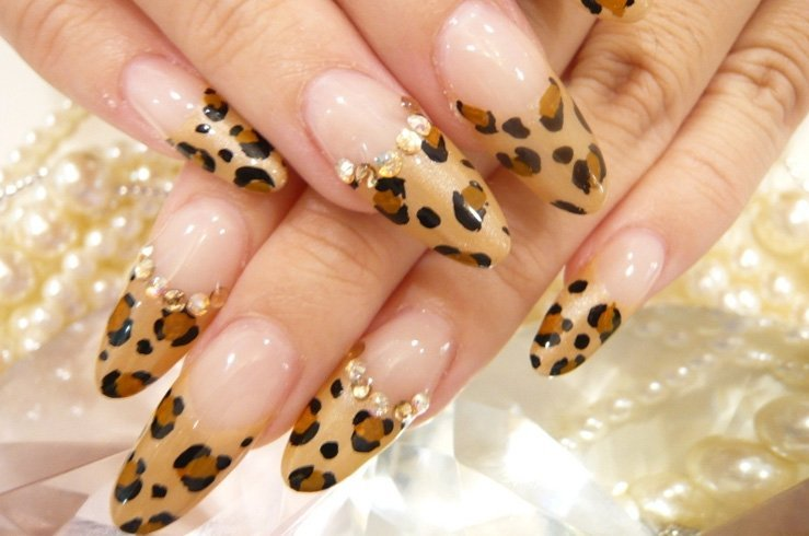 Cheetah French manicure