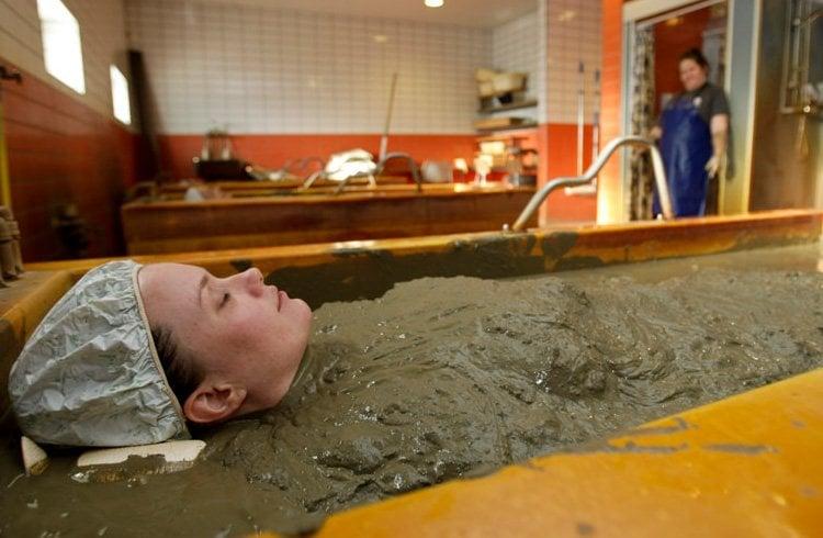 Mud bath benefits for women