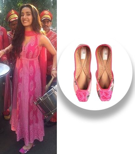 Sharddha Kapoor was seen in these floral pink Vanshika Ahuja juttis