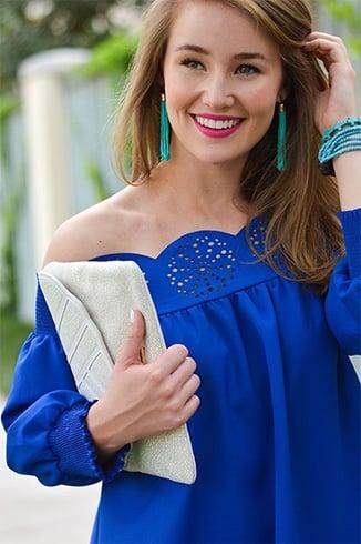 Blue dress lipstick organizer