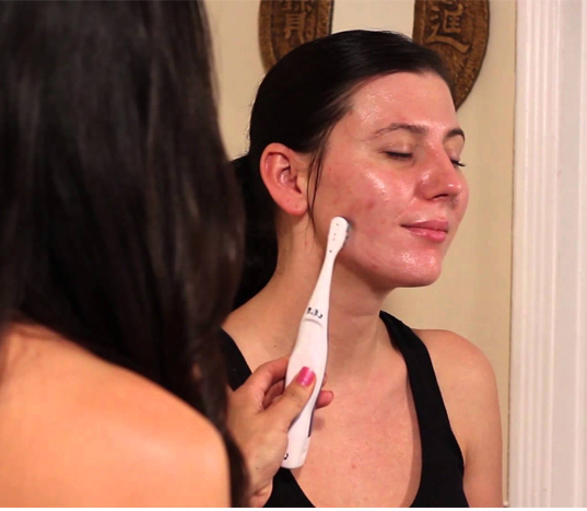 How To Use Toothbrush On Face