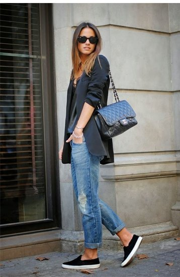 Black Sneakers With Jeans