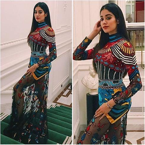 Jhanvi Kapoor Outfit