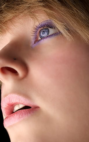 Makeup Tips for Purple Eyes