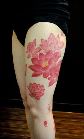 lotus tattoos On leg