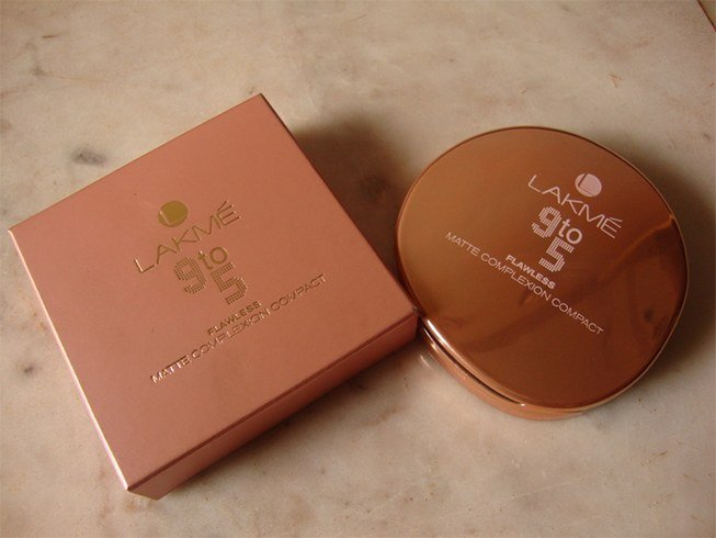 Lakme Compact Powder For Oily Skin