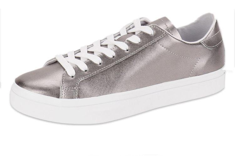 Court Vantage Sneakers