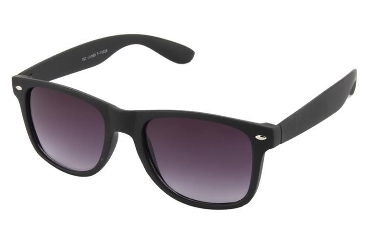 Eshtyle Black Silver Line Sunglasses