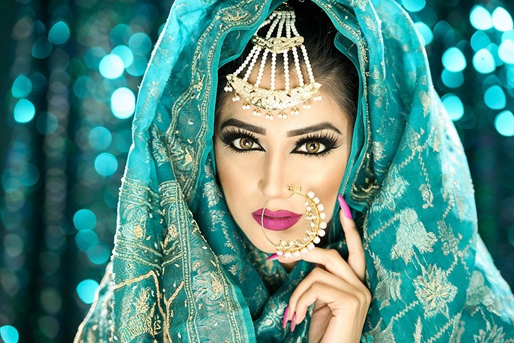 Your Step-by-Step Tutorial To Arabic Bridal Makeup