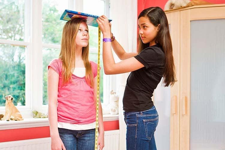 image Girlfriend grows taller than boyfriend a daddario