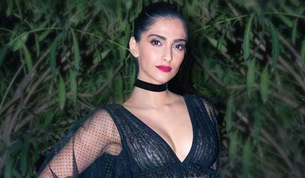Sonam Kapoor Fashion Looks