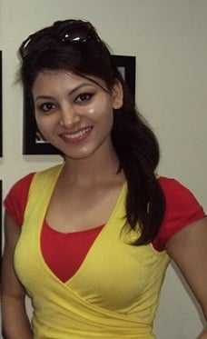 Urvashi Rautela no makeup