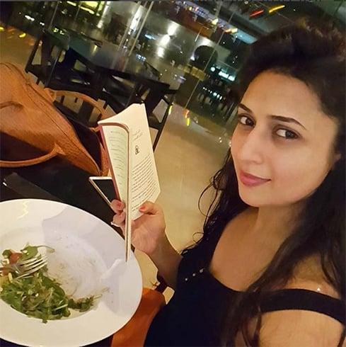 Diet Sabya calls out Divyanka Tripathi for plagiarising Sabyasachi's trademark belt