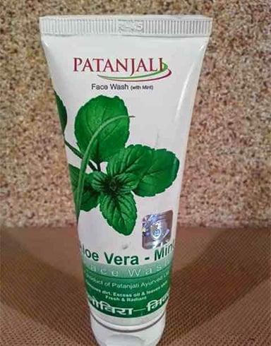 Patanjali Aloe Vera Mint Face Wash