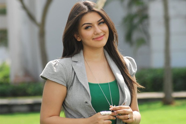 Hansika Motwani Age Height Husband Child Family Body