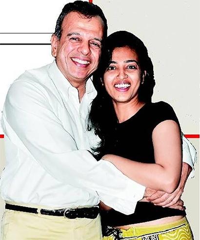 Radhika Apte With Father